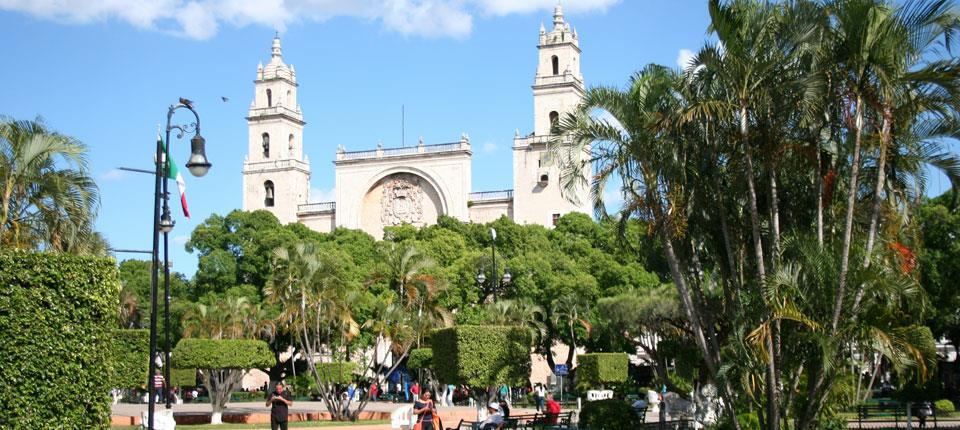 Zocalo (central park) of Merida with the cathedral San Ildefonso